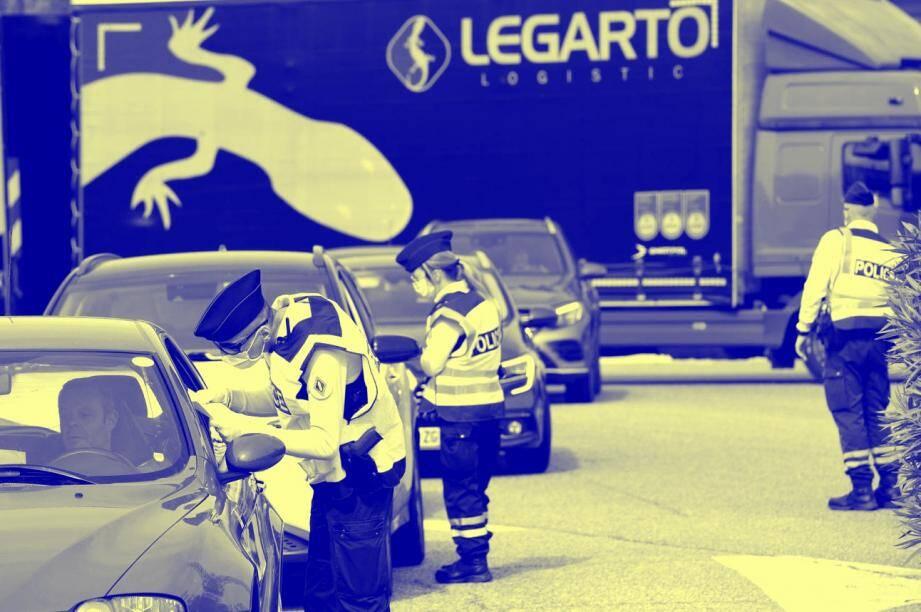 Un contrôle routier sur l'A50 entre Bandol et Toulon.