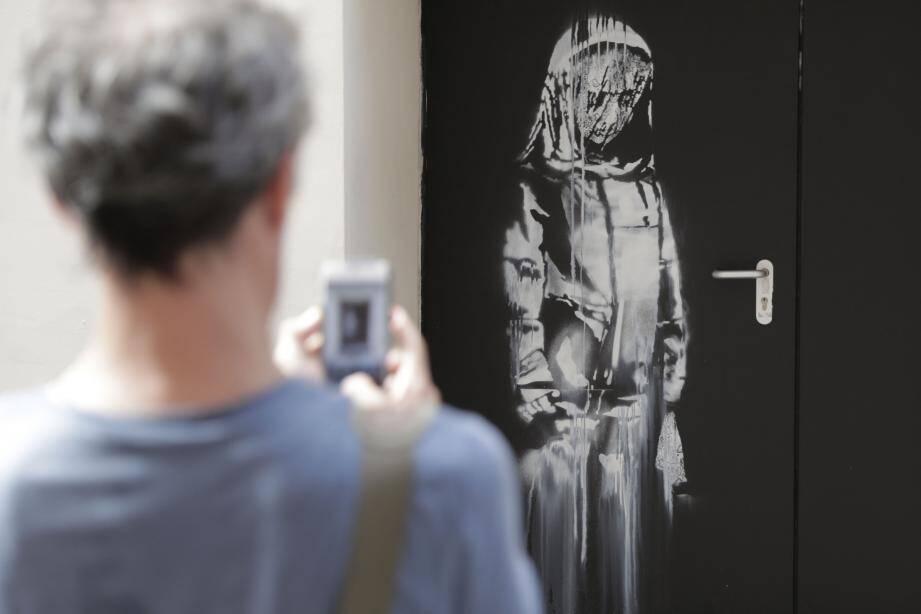 L'œuvre de Banksy qui avait été volée à Paris, a été retrouvée en Italie.