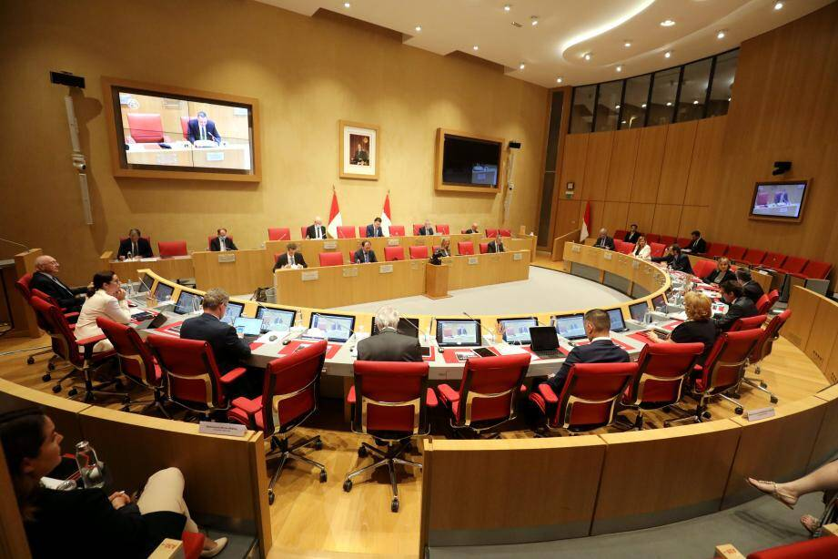 Le Conseil national, ce mardi soir, en séance législative.
