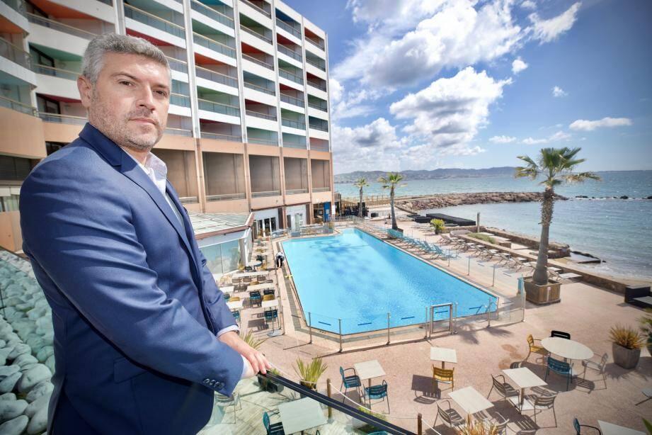 Le nouveau patron du Royal Casino attend avec impatience de pouvoir rouvrir la plage et la piscine de l'établissement. Ce sera pour ce samedi.