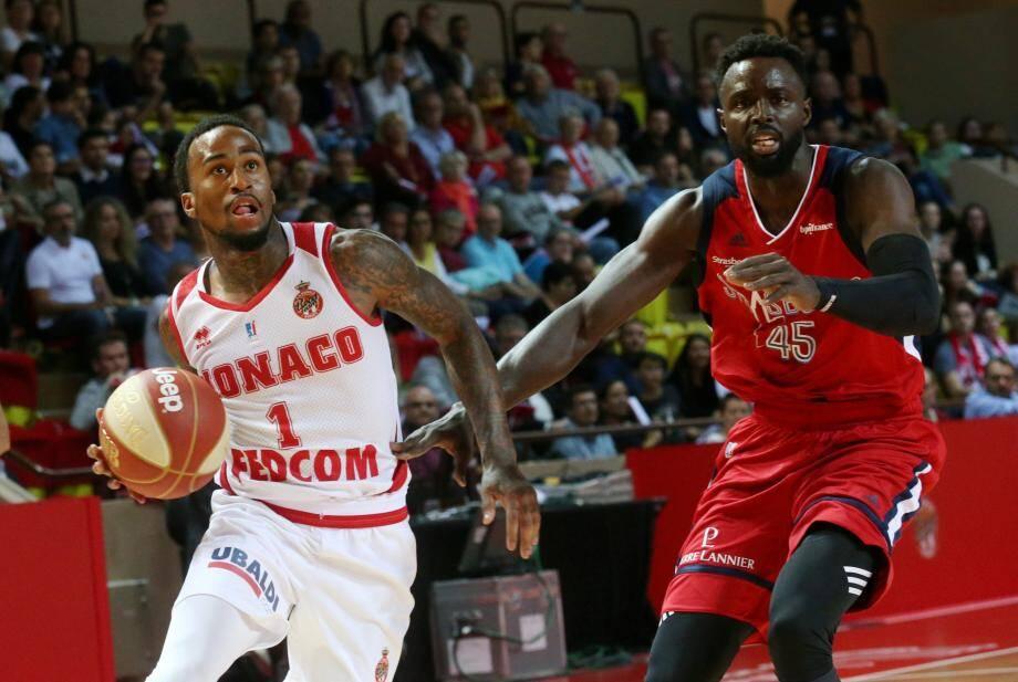 La Roca Team a présenté à la DNCG du basket un budget en baisse de 30 % environ. Mais le club du Rocher tente de retenir Dee Bost.