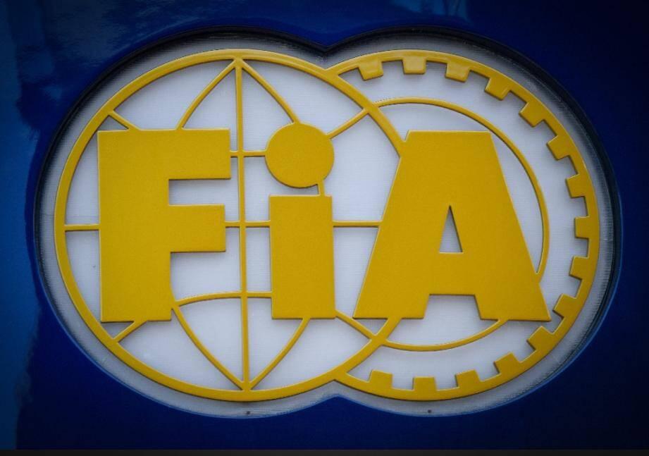 Le logo de la Fédération internationale de l'automobile (FIA) photographié sur le circuit Paul-Ricard du Castellet le 20 juin 2019.