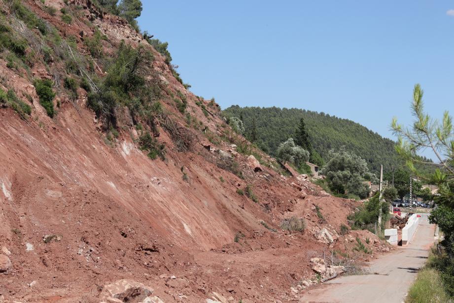 La route des Nouradons rouvrira vraisemblablement en juillet, sur une voie de circulation seulement.