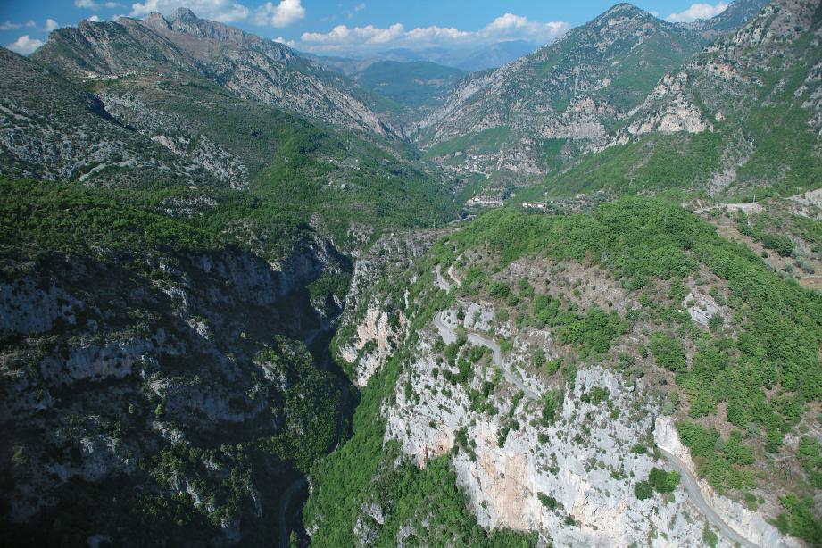 Une vue aérienne dans la vallée de la Vésubie.
