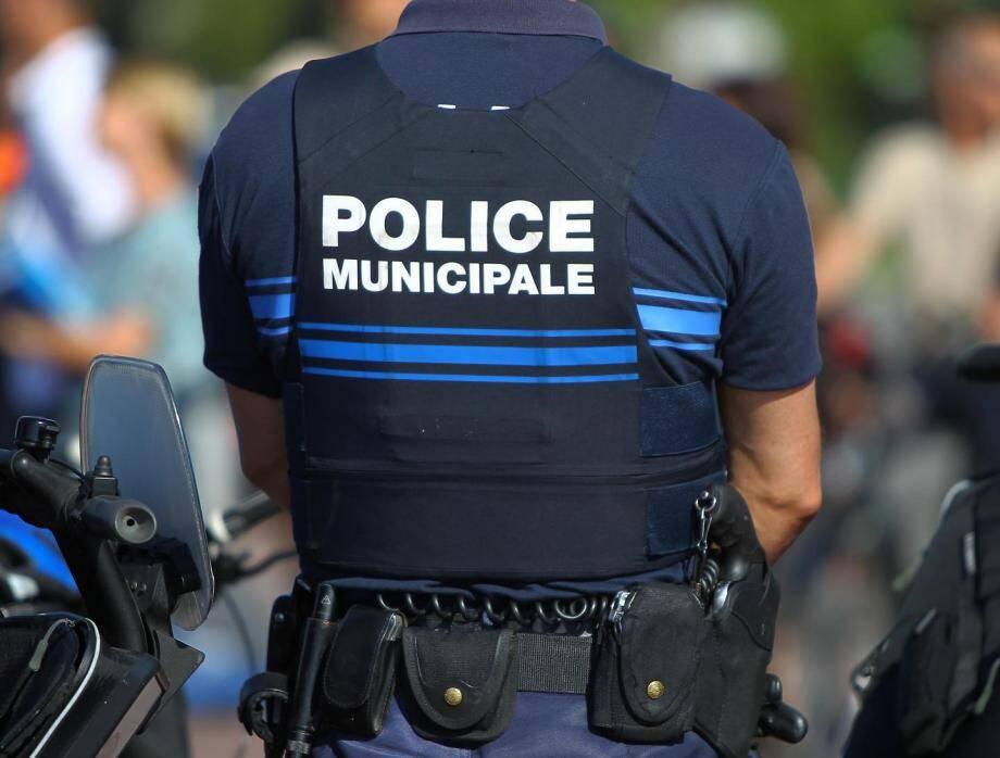 Intervention mouvementée pour la police municipale de Nice.