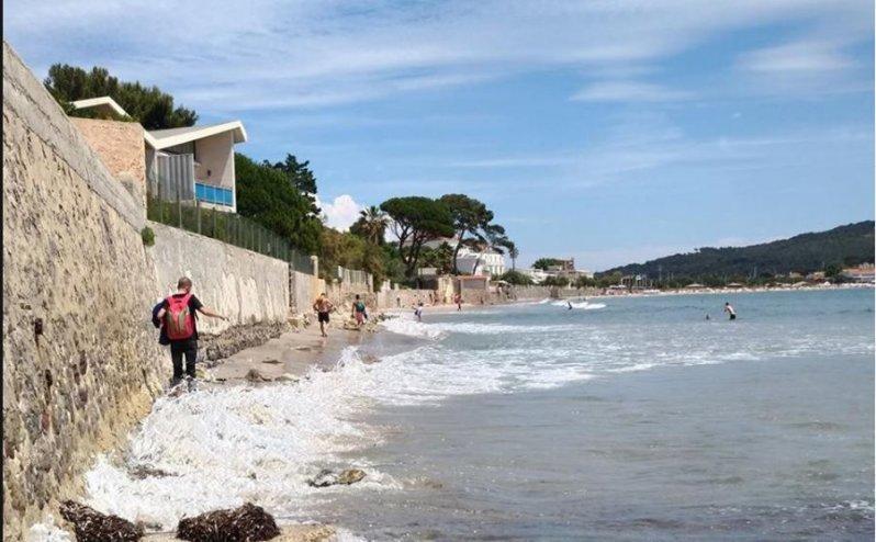 Une zone de baignade sur la plage de Mar-Vivo est provisoirement fermée à la baignade au moins jusqu'à samedi.