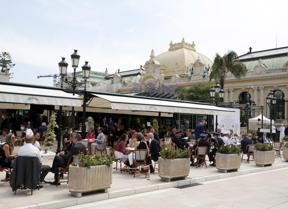 Le Café de Paris de Monaco affichait complet en ce premier jour de réouverture.