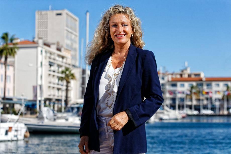 """Nathalie Bicais se veut """"la seule alternative crédible"""" à la candidature du maire sortant Marc Vuillemot."""