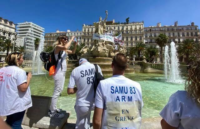 Répondant à l'appel national des syndicats, médecins, aides-soignants et infirmiers varois manifestent ce mardi à Toulon.