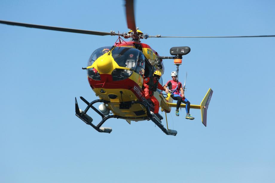 L'inaccessibilité des lieux nécessitant l'intervention de l'hélicoptère Dragon 06