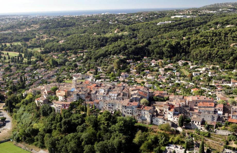 Vue sur le village de Biot