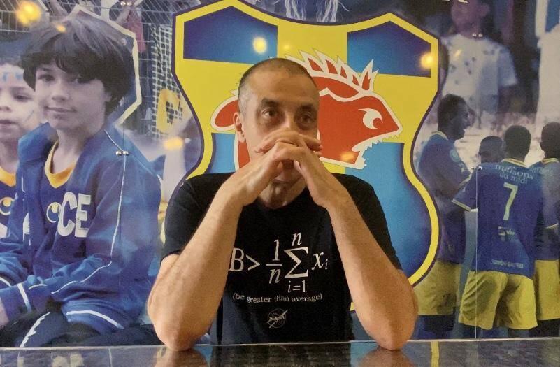 Mourad Boudjellal dans les locaux du Sporting Toulon.