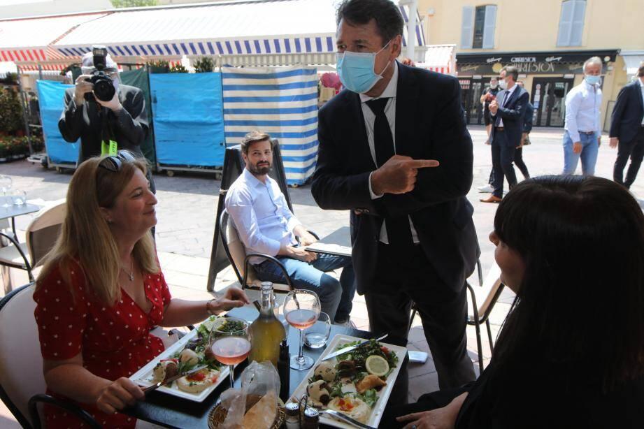 Christian Estrosi rencontre les restaurateurs et annonce de nouvelles dispositions pour les commerçants.
