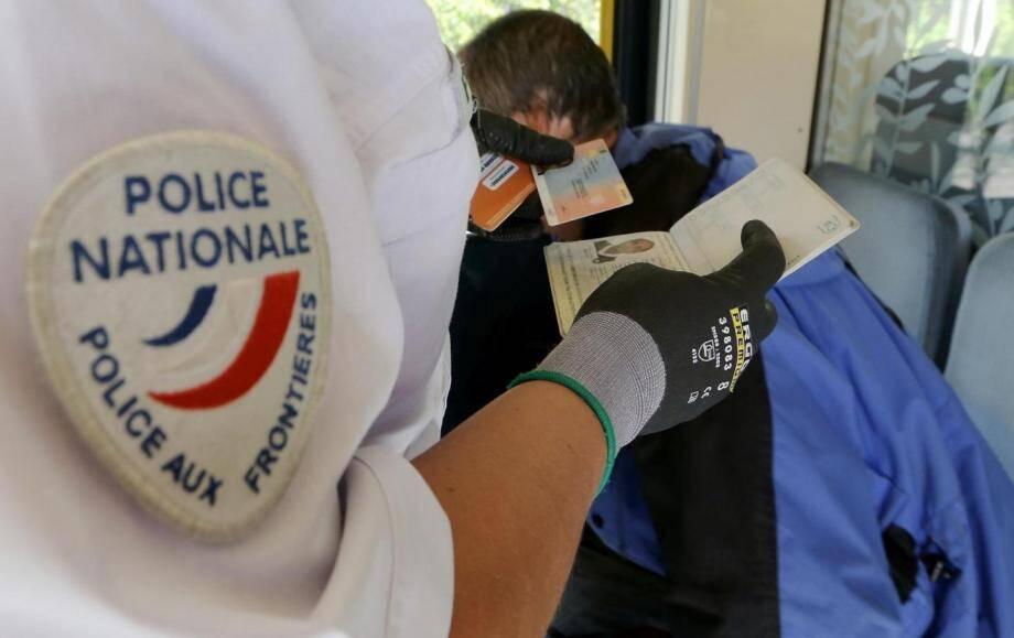 Trois policiers blessés lors d'une interpellation à Nice.