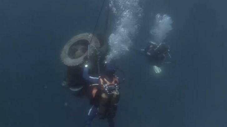Les enquêteurs cherchent l'origine de ces déchets en mer.