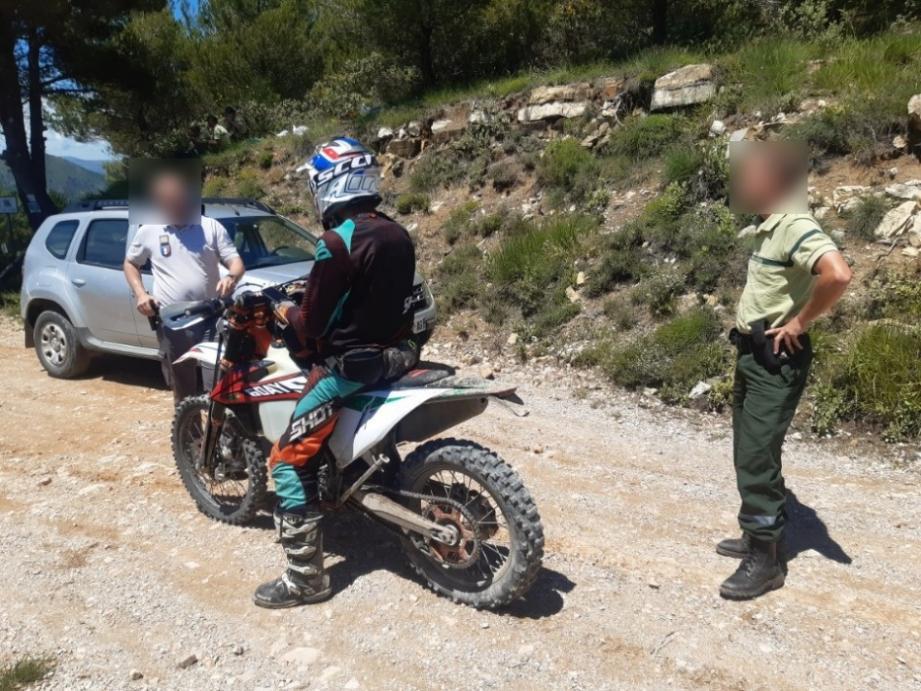 Les gardes forestiers ont verbalisé une dizaine de promeneurs en forêt, essentiellement pour usage de véhicule à moteur interdit.