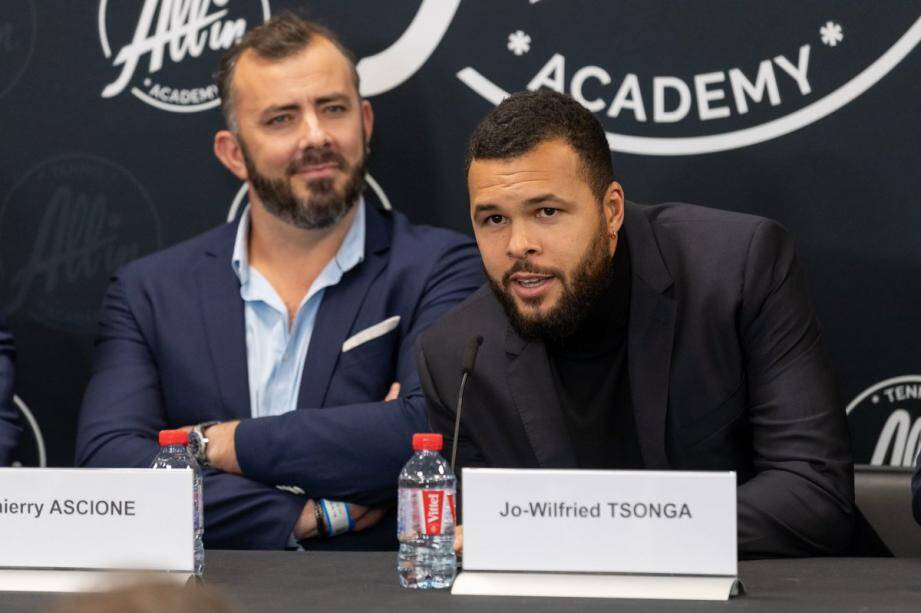 Thierry Ascione (à gauche) est l'entraîneur de Jo-Wilfried Tsonga et les deux hommes sont associés dans le projet All In Academy