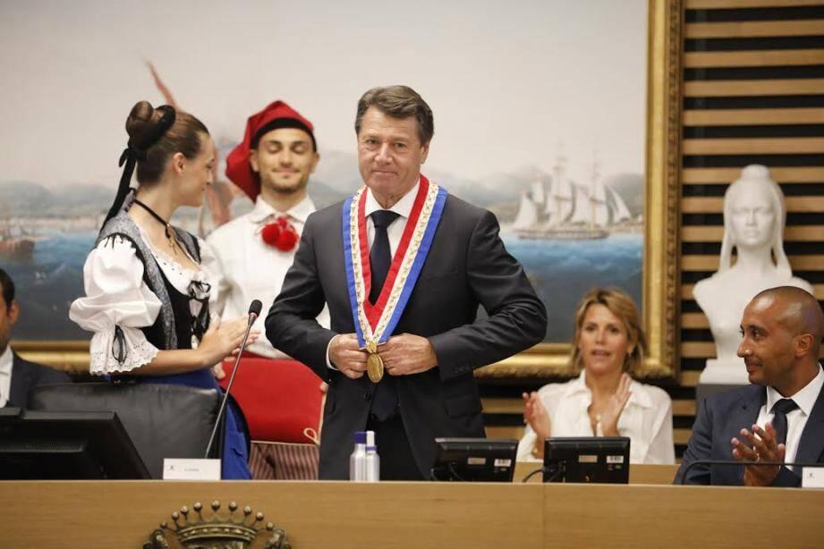 Sans surprise, le conseil municipal de Nice a reconduit Christian Estrosi à sa tête pour un 3e mandat ce vendredi matin.