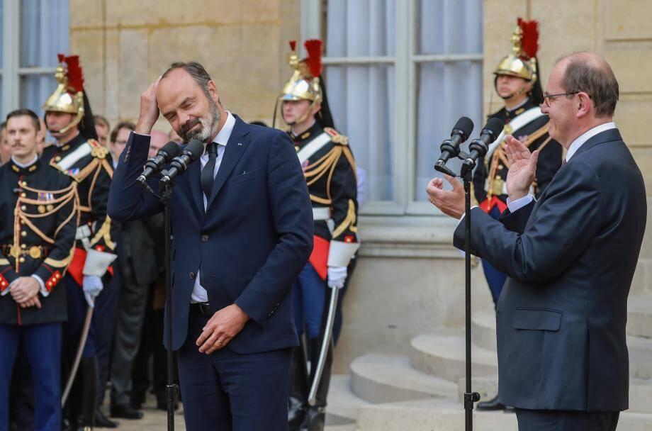 Edouard Philippe et Jean Castex se sont mutuellement louangés, ce vendredi soir, lors de la passation de pouvoir à Matignon.