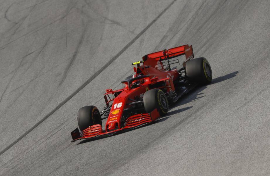 Charles Leclerc s'est accroché avec son coéquipier, Sebastian Vettel.