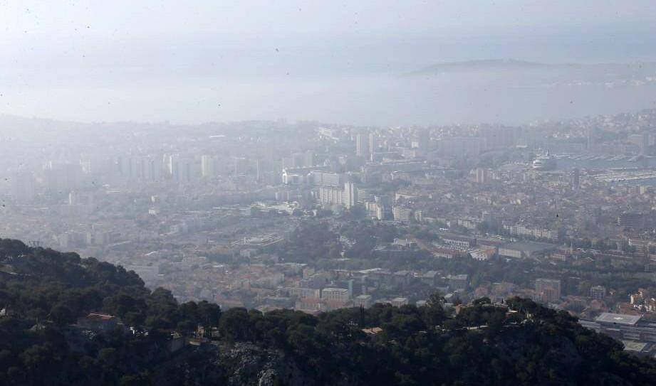 Illustration d'une pollution à l'ozone plus élevée que d'ordinaire dans l'agglomération toulonnaise.
