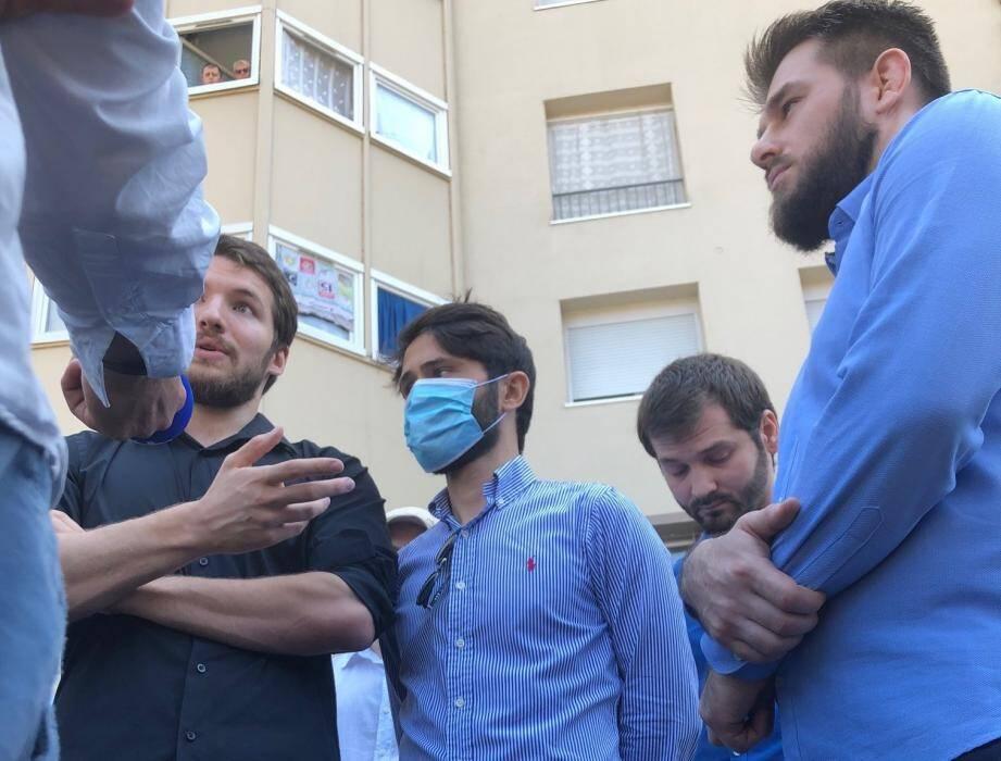 À la suite des déclarations de Christian Estrosi, des membres de la communauté tchétchène avaient dénoncé les amalgames lors d'une conférence de presse.