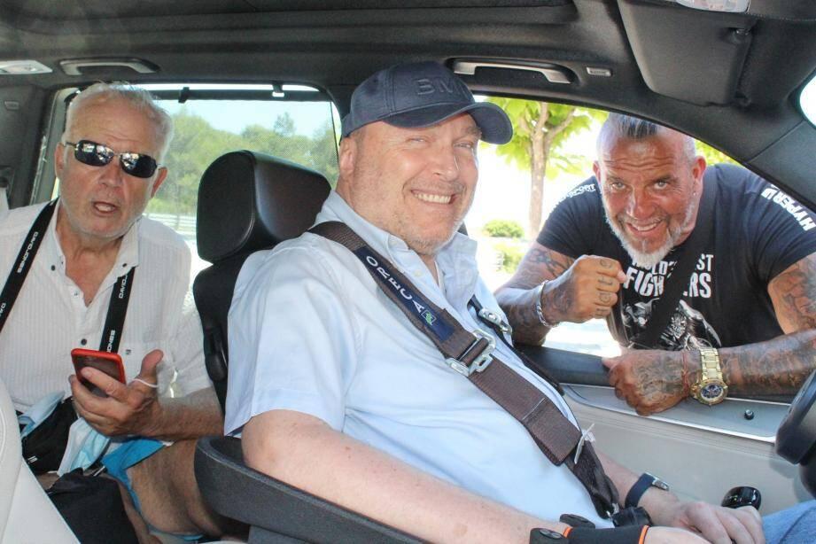 Les pilotes Patrick Tambay et Philippe Streiff, au côté de Marc Notari.