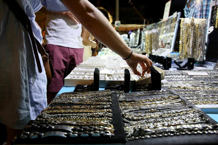 Dès samedi, retrouvez les premiers marchés nocturnes dans les deux communes.