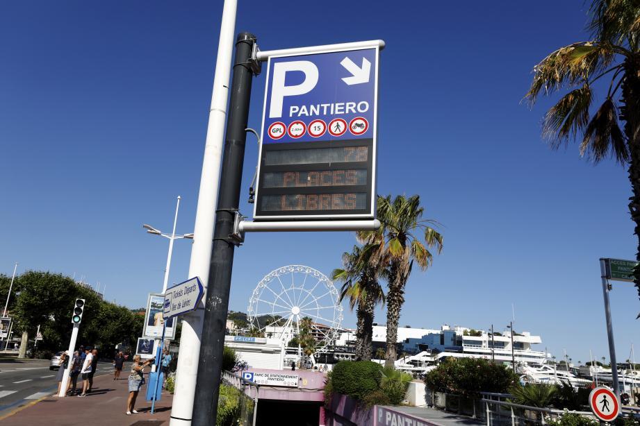 Forfait soirée à 3 euros, 3 heures gratuites le samedi et autant le dimanche... Le parking Pantiero revoit ses tarifs en ce début de saison.