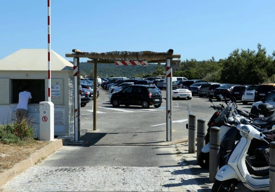 Les questions autour des parkings de la plage de Pampelonne ont alimenté les débats lors du conseil.