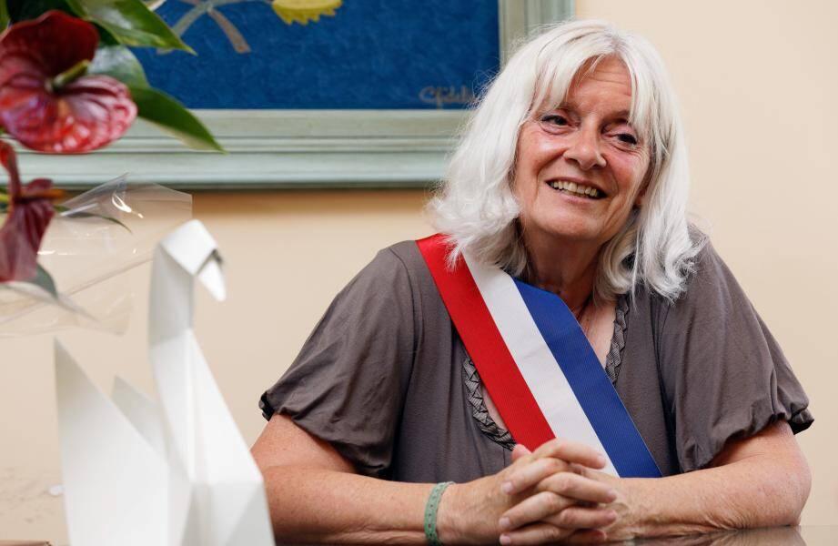 Hélène Verduyn, maire de Signes.