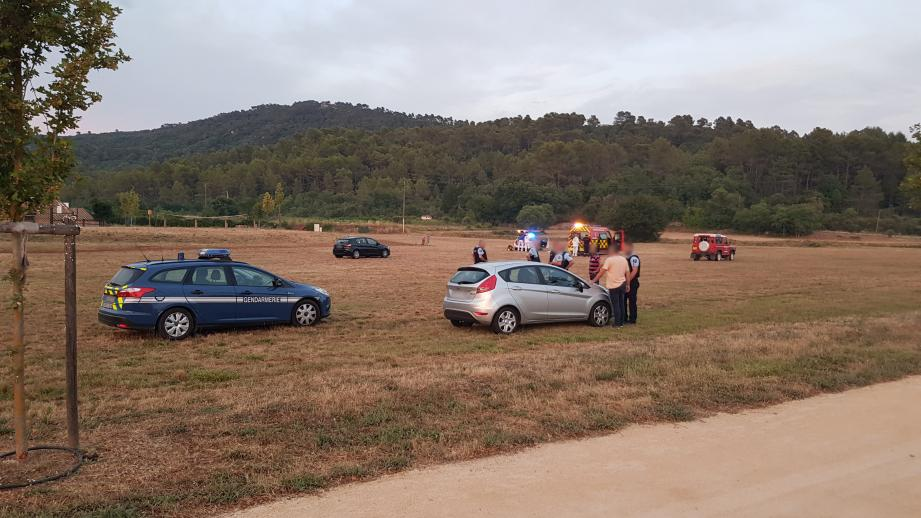 Une rixe a opposé plusieurs jeunes gens sur le terrain des Candouliers. Le bilan est tragique : un mort et un blessé grave.