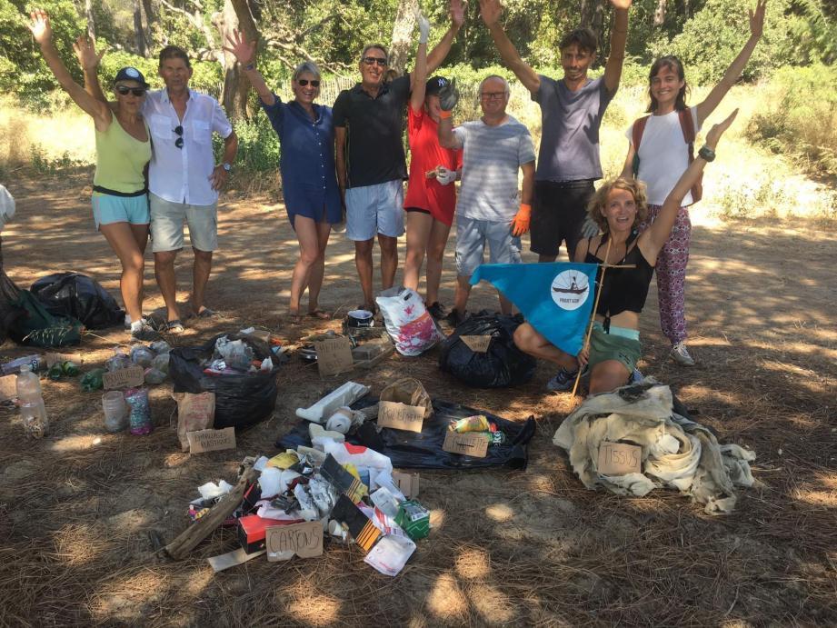 Mégots, cartons, emballages plastiques, Tout-venant, polystyrène, bouteilles en plastique et en verre… La collecte effectuée par la douzaine de bénévoles a été plutôt fructueuse.