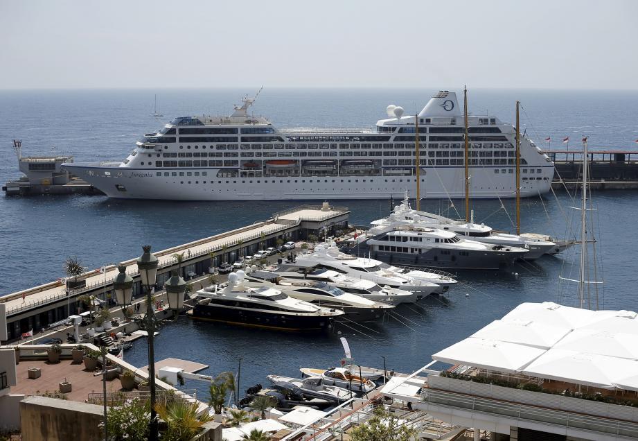 En 2019, 158 bateaux de croisière ont jeté l'ancre au port  Hercule. Cela représente un vivier de 182 436 touristes.
