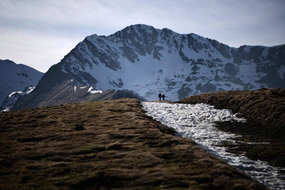 Dans les Pyrénées, près de Luchon, le 15 février 2020, la neige est rare