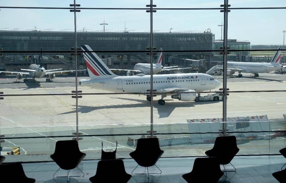 Un Airnbus A318 d'Air France à l'aéroport parisien de Roissy Charles-de-Gaulle, le 12 mai 2020