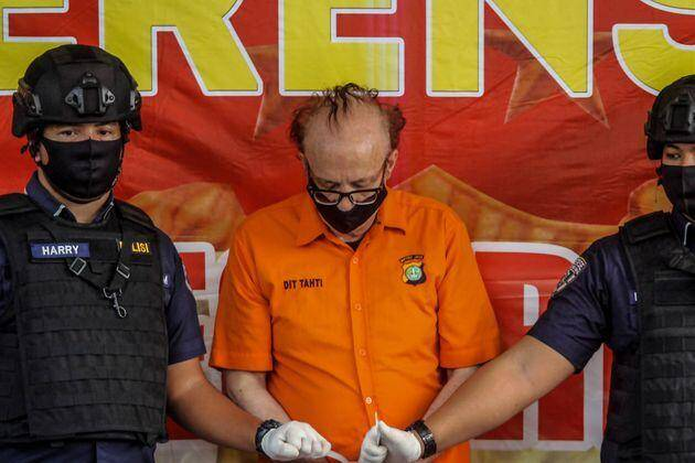 Le Français François Camille Abello, 65 ans, ici lors d'une conférence de presse à Jakarta en Indonésie, le 9 juillet 2020, une dizaine de jours après son arrestation.