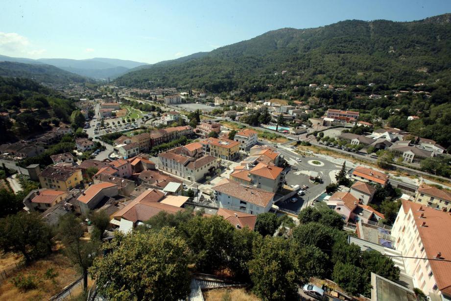 Vue sur le village de Contes