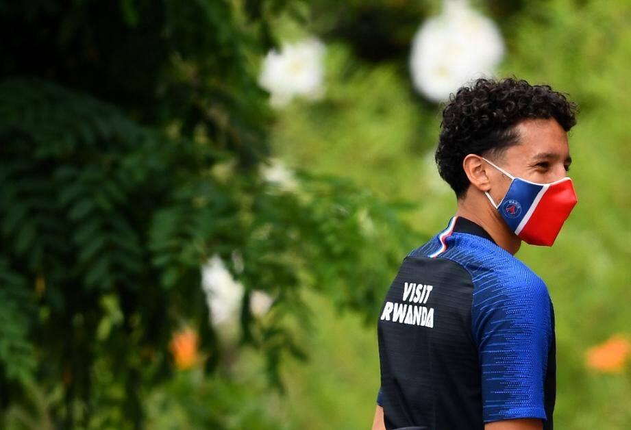 Marquinhos, le défenseur brésilien du PSG, arrive à l'entraînement au Camp des Loges le 2 juillet 2020 à Saint-Germain-en-Laye pr_s de Paris.