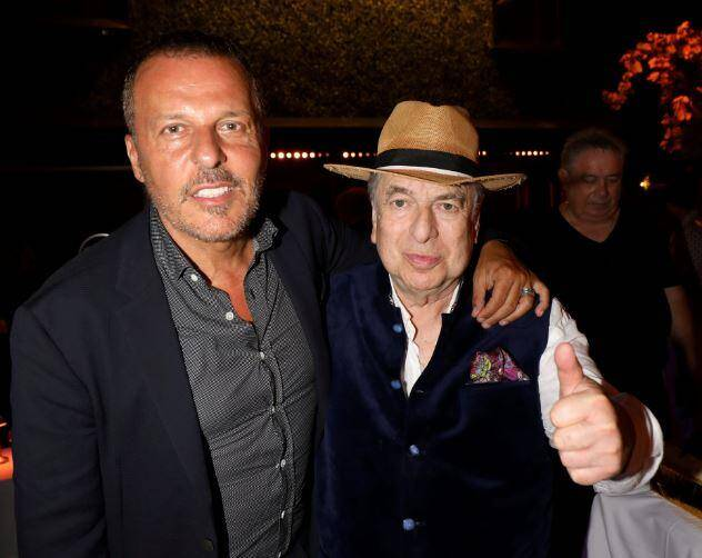 """Jean-Roch accueillait l'ami Paul-Loup """"au nom de l'amitié"""" mercredi soir sur la terrasse VIP de La Gioia, à Saint-Tropez."""
