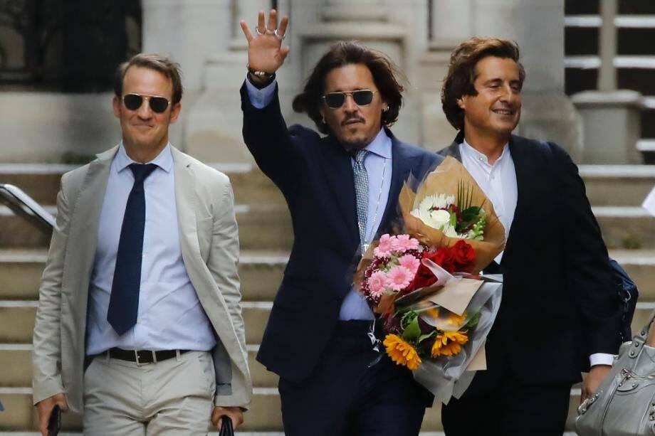 Johnny Depp quitte le tribunal à Londres le 24 juillet 2020