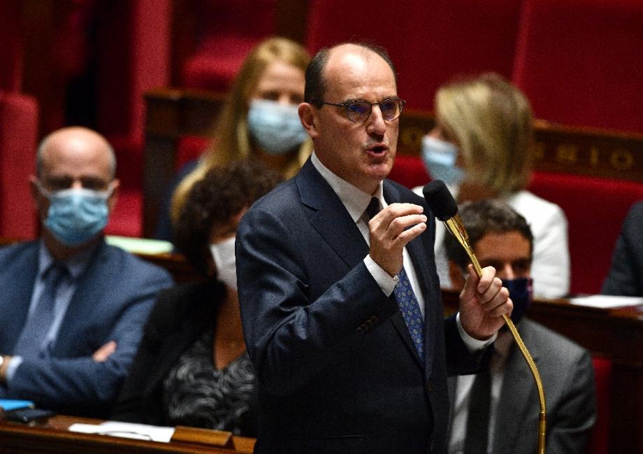 Le Premier ministre Jean Castex s'adresse aux parlementaires lors d'une session à l'Assemblée nationale, le 8 juillet 2020