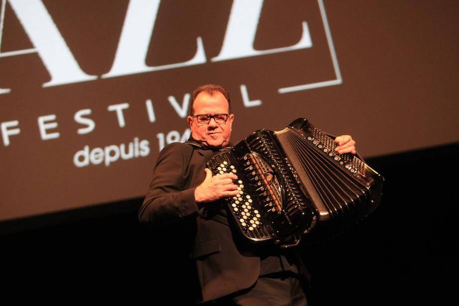 L'accordéoniste Richard Galliano, au Nice Jazz Festival en 2014, clôturera les «Summer sessions» qui commencent demain soir, jusqu'à mardi.