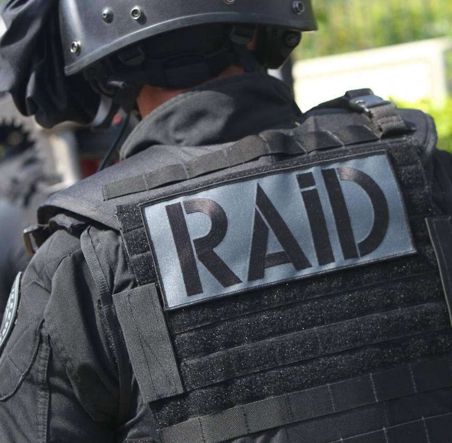 Un policier du Raid.