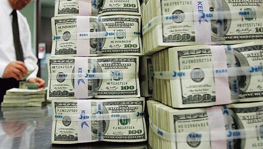 Des millionnaires appellent à être taxés plus.