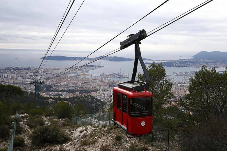 Bientôt un téléphérique (ici, celui de Toulon) entre Nice et Saint-Laurent-du-Var?