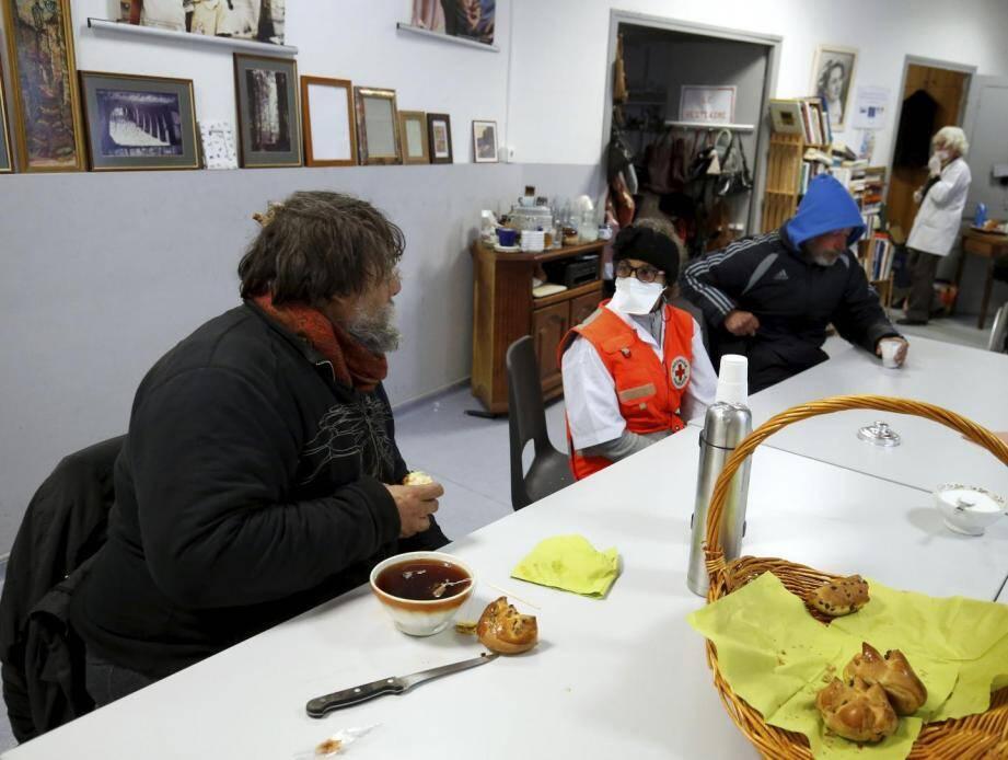 La Croix-Rouge de Menton vient en aide à une cinquantaine de personnes sans-abri sur le territoire ainsi qu'à 32 familles en difficulté.