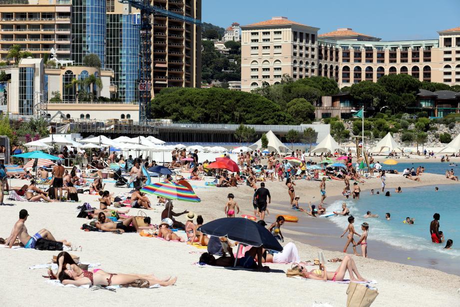 Les modalités d'accès et le port du masque obligatoire jusqu'à la plage en ont dérouté plus d'un