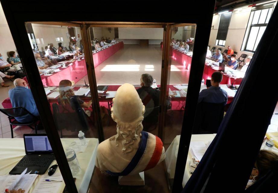 L'ambiance était morose mardi soir lorsque les élus de la majorité ont évoqué le bilan financier laissé par l'ancienne municipalité.