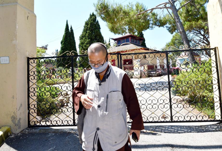 Ce lundi, lors de son retour de Draguignan, le bonze Quan Hoang Nguyen a trouvé portes closes lorsqu'il a voulu rejoindre son domicile à la pagode de Fréjus.